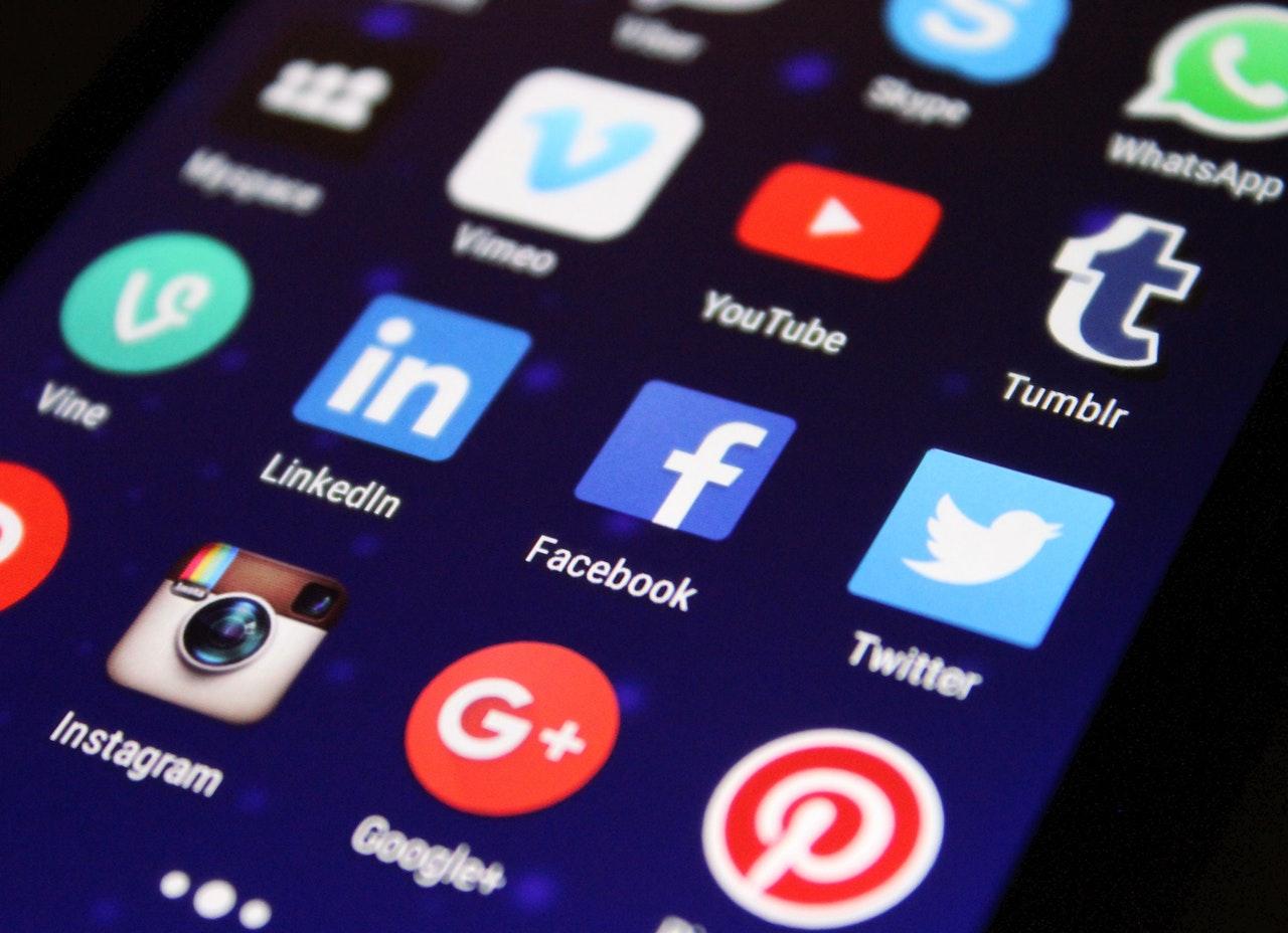 Facebook and Instagram embedded feeds will break